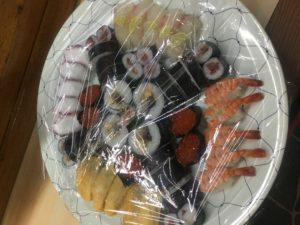 養父市の寿司屋ふなき 盛り合わせ1500円×5人分